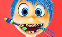 Inside Out: mal di denti di Joy